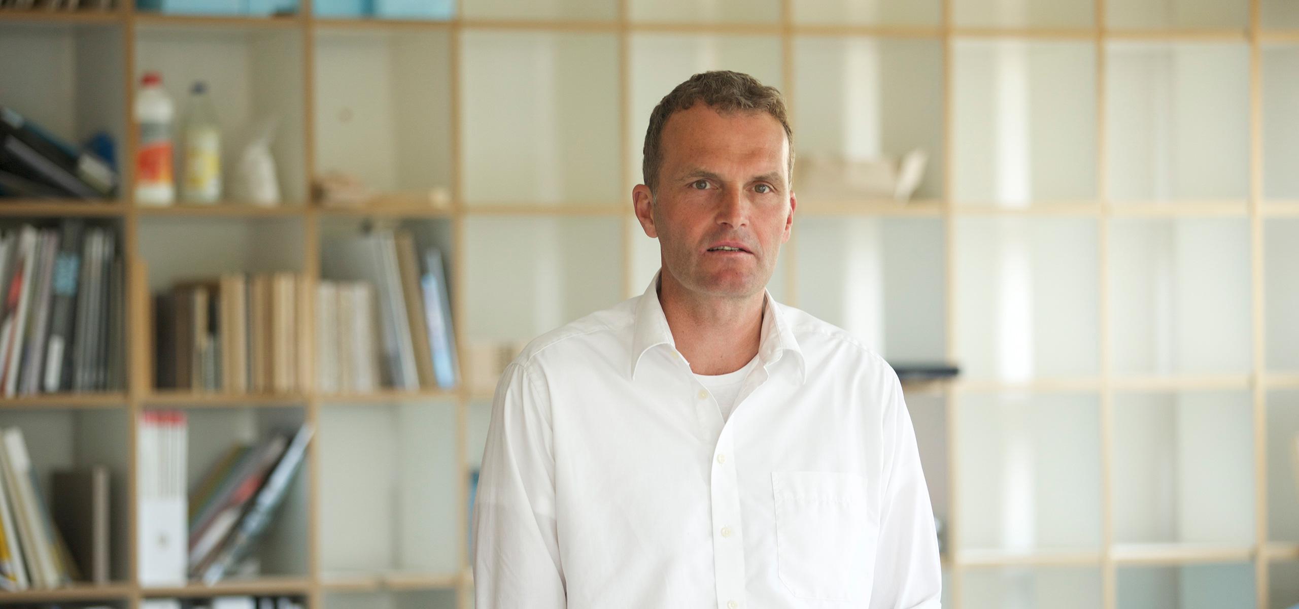 c6bd0548d9 VARIO BüroEinrichtungen: Prof. Klaus Michel über PET PORT - Prof ...